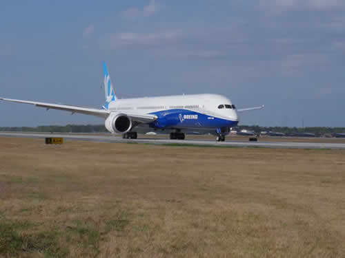First Boeing 787-10 Dreamliner takeoff ... N528ZC