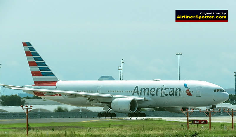 American Airlines Boeing 777-200 prior to takeoff at the DFW International AIrport (June, 2019)