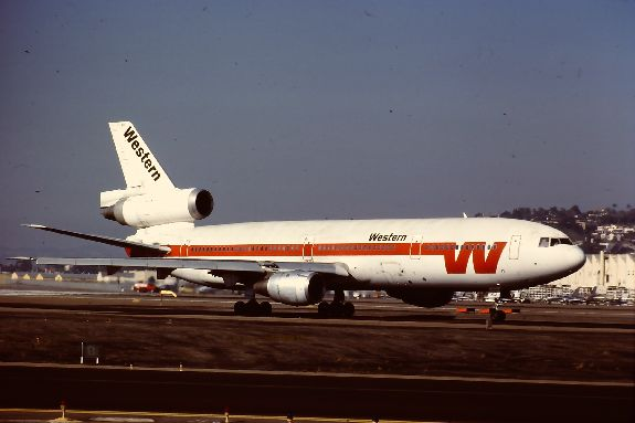 Douglas DC-10 of National Airlines