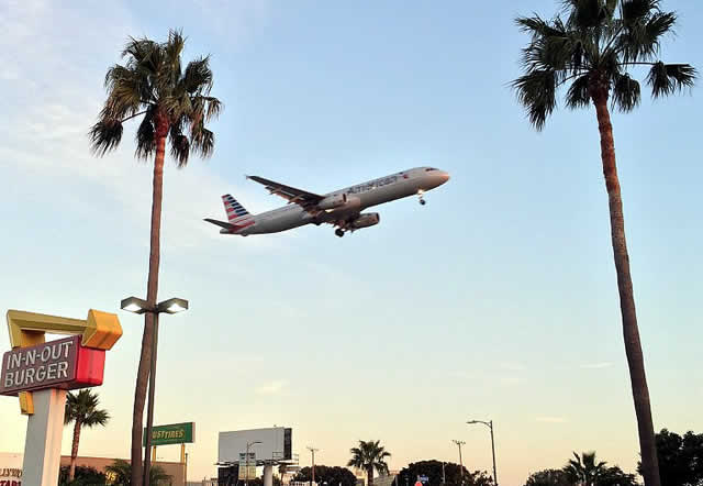 LAX Plane spotting at In-N-Out Burger in Los Angeles