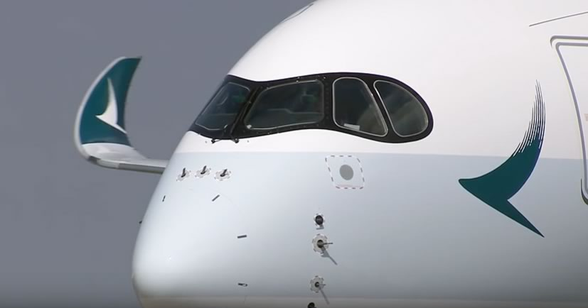 The unique 6-piece windshield configuration of the Airbus A350