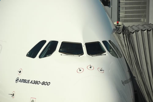Cockpit windshield arrangement on the Airbus A380-800