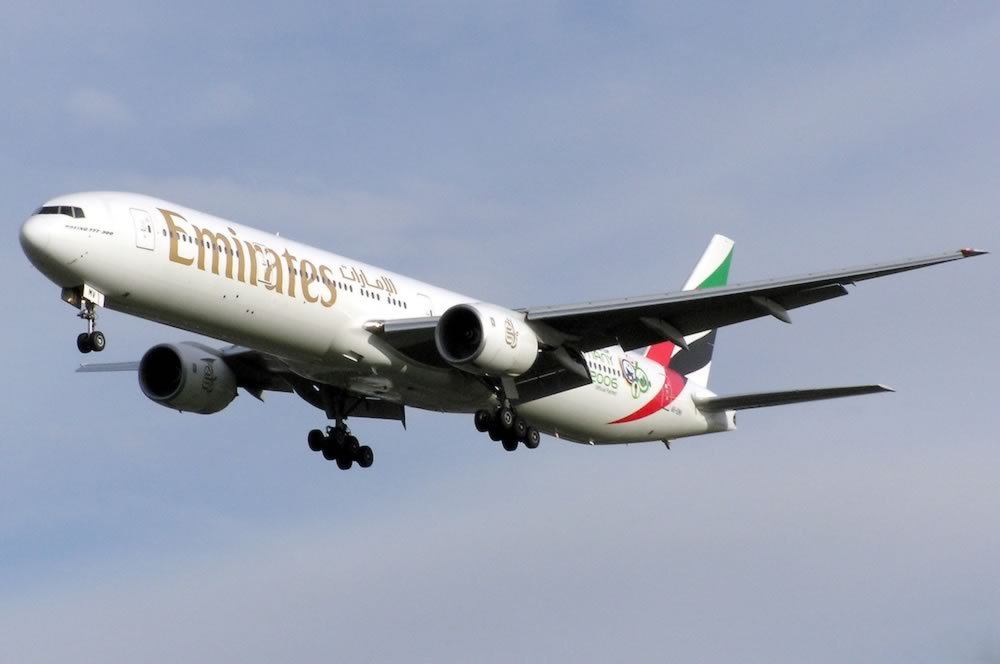 Boeing 777 spotting guide tips for airliner spotters photographs emirates boeing 777 31h registration number a6 emv cheapraybanclubmaster Choice Image